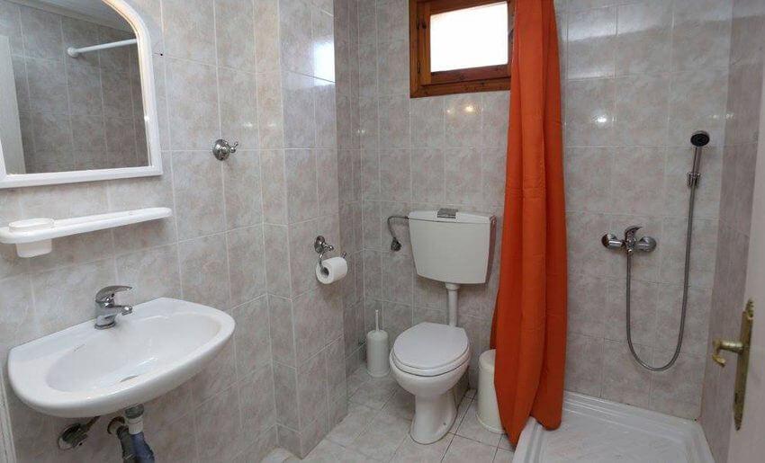 franceska studios smestaj na tasosu grcka letovanje kupatilo