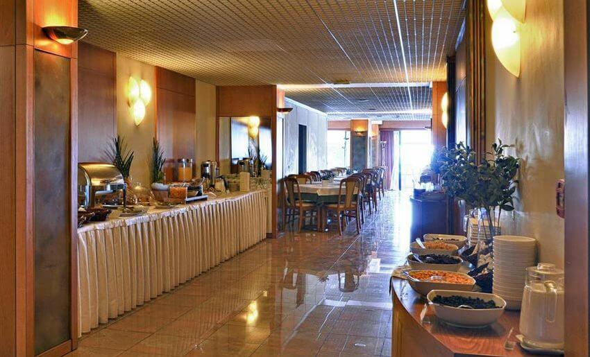 hotel esperia kavala smestaj grcka restoran dorucak