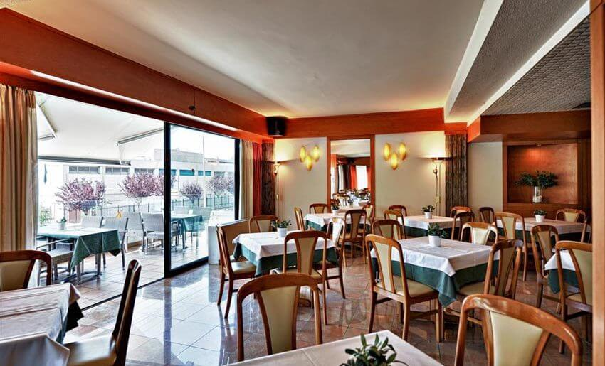 hotel esperia kavala smestaj grcka restoran