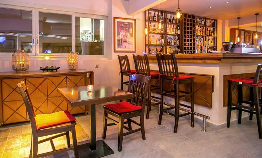 hotel thalassies limenarija grcka hoteli bar