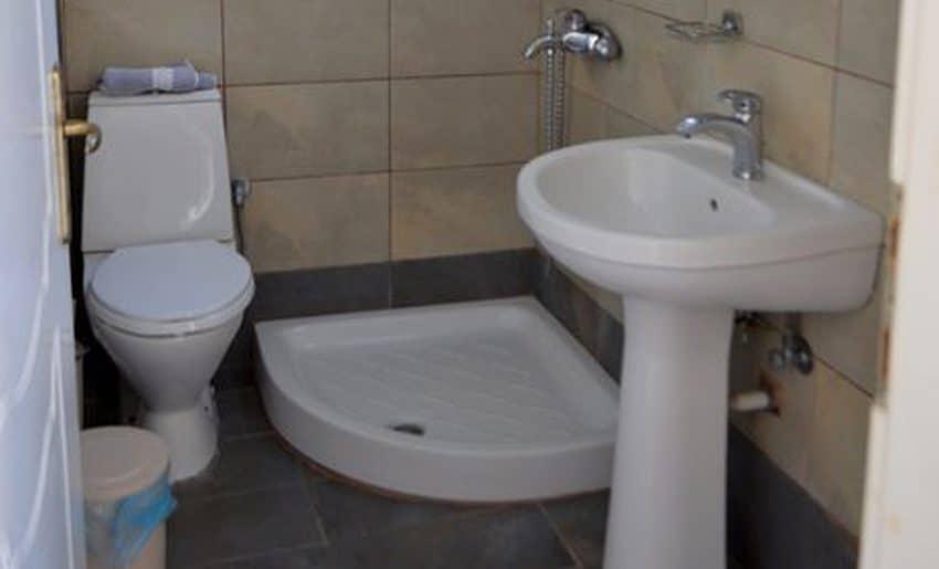vila aldebaran smestaj na tasosu limenarija kupatilo