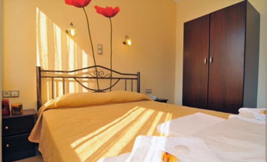 vila mandani letovanje grcka smestaj na tasosu krevet