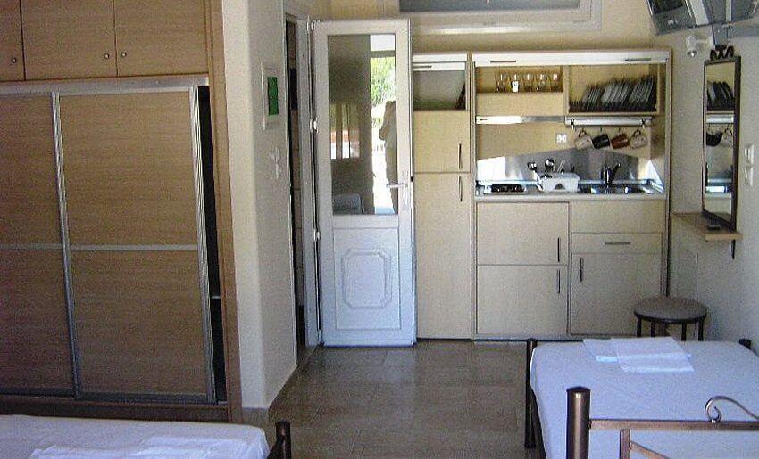 Augustos Vila Tasos Grcka apartmani kuhinja