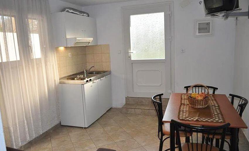Dina Vila Tasos grcka letovanje apartmani kuhinja