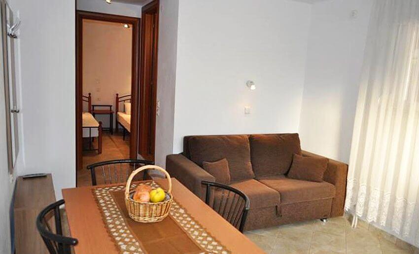 Dina Vila Tasos grcka letovanje apartmani trpezarija