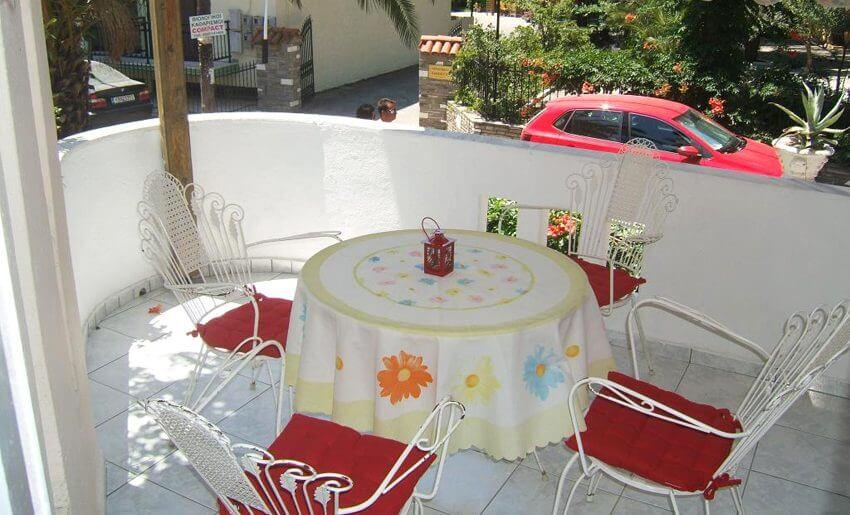 Dora Vila Tasos grcka letovanje balkon
