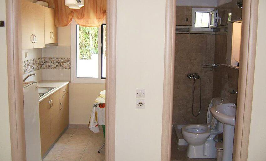Dora Vila Tasos grcka letovanje kuhinja i kupatilo