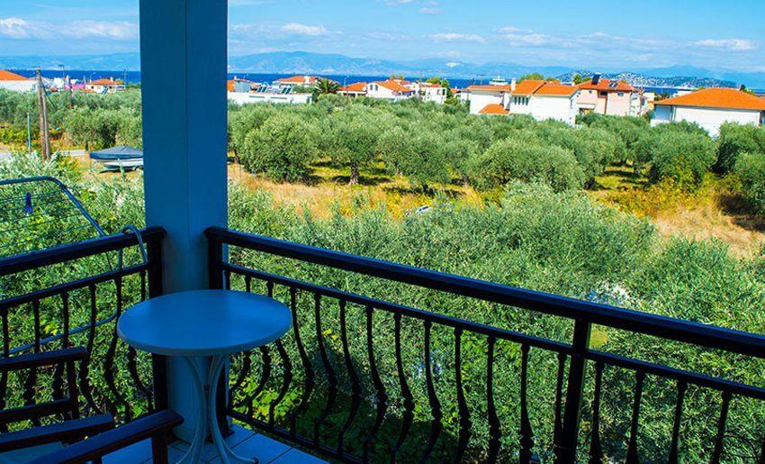 Effis Garden Apartmani grcka letovanje terasa