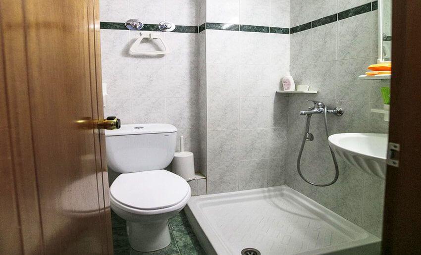 Toula Vila Tasos Grcka letovanje kupatilo