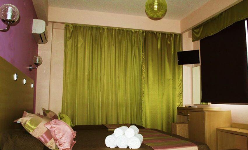 hotel maranton beach grcka smestaj apartmani letovanje sobe krevet na sprat