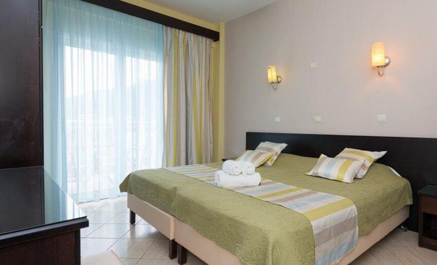 hotel maranton beach grcka smestaj apartmani letovanje standard room pogled more