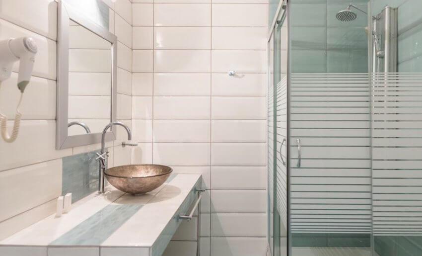 hotel maranton beach grcka smestaj apartmani letovanje superior suite kupatilo
