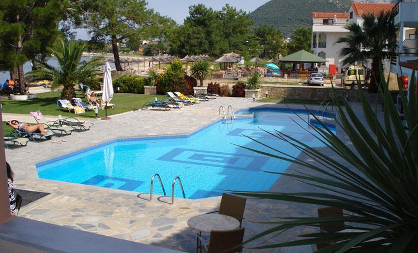 hotel rachoni resort tasos grcka bazen