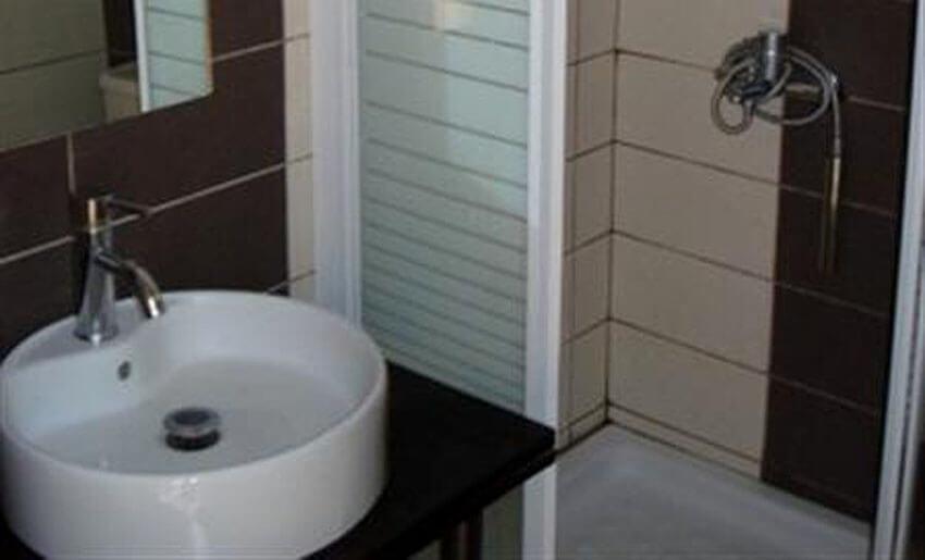 hotel rachoni resort tasos grcka letovanje kupatilo
