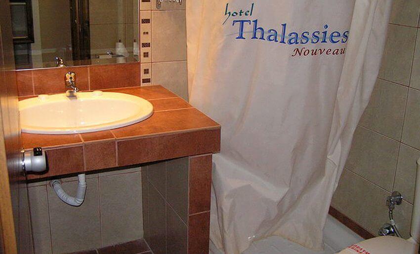 hotel thalassies nouveau limenarija grcka kupatilo