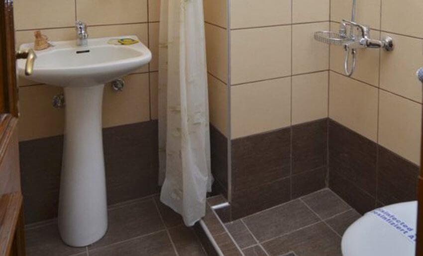 Agali Hotel limenarija tasos kupatilo