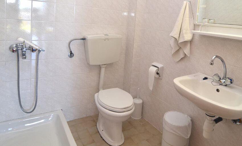 Agorastos Hotel Kinira Tasos grcka kupatilo