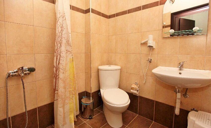Delfini Hotel golden beach tasos kupatilo