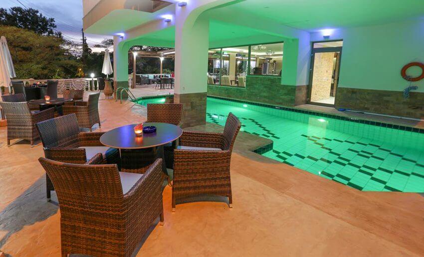 Garden Hotel Limenarija Tasos bar