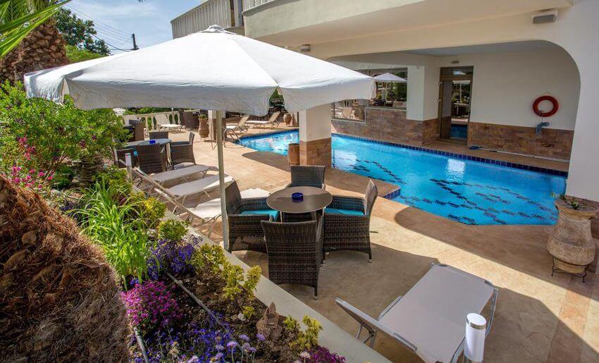Garden Hotel Limenarija Tasos pool bar
