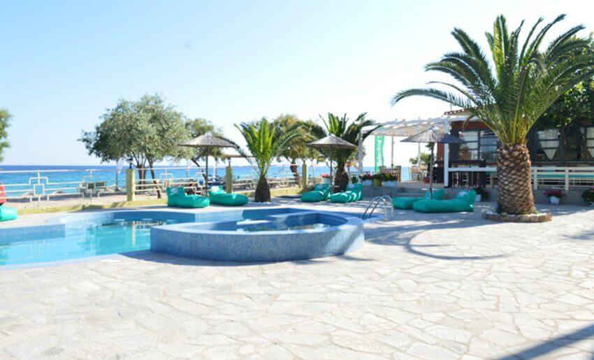 Giannikis Studios limenarija tasos beach bar