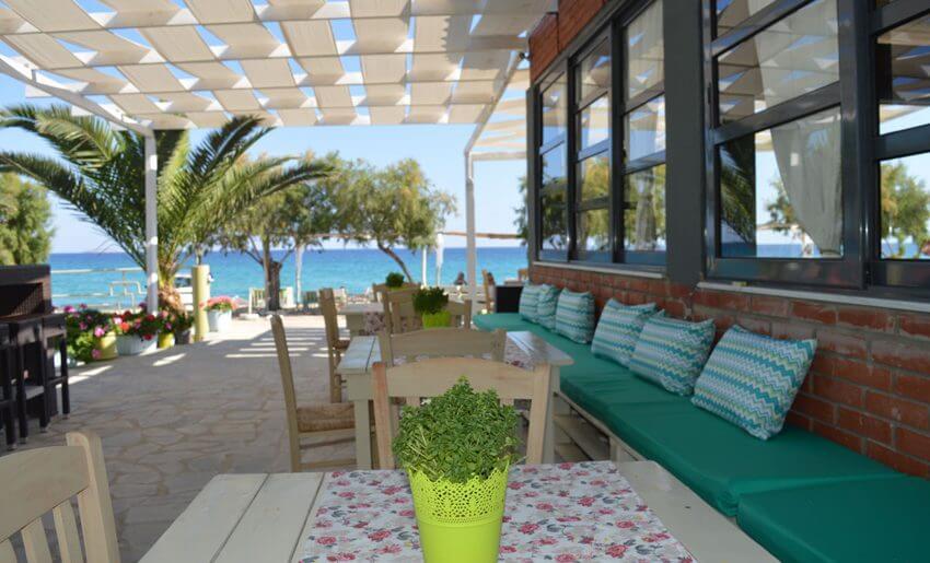 Giannikis Studios limenarija tasos letovanje beach bar
