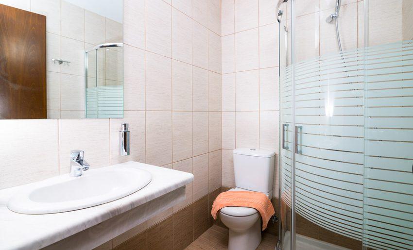 Hotel Olimpion Potos Tasos dvokrevetna soba kupatilo