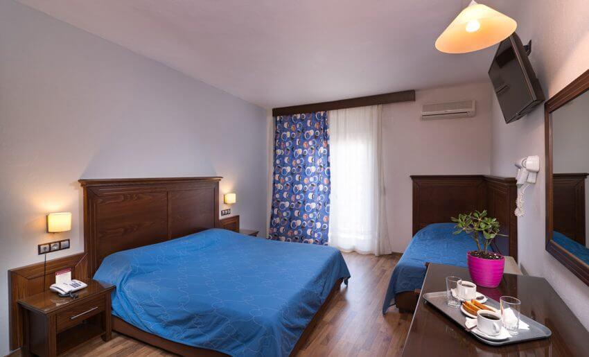 Hotel Olimpion Potos Tasos trokrevetna soba