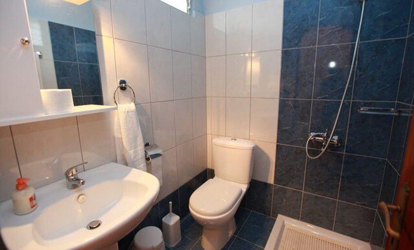 Katerina Studios Tasos kupatilo smestaj