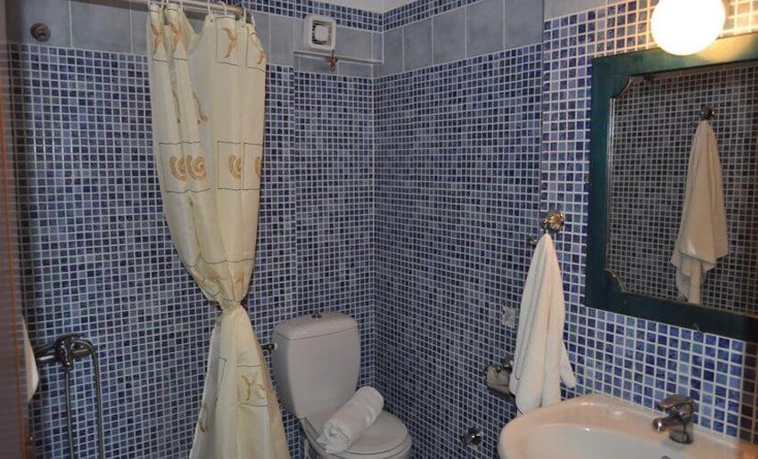 Kostas Studios Limenarija tasos smestaj kupatilo