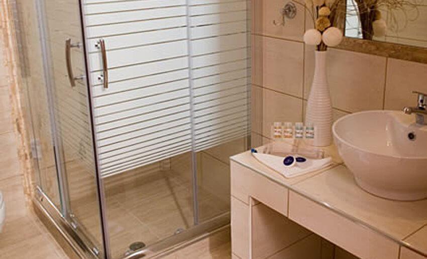 Metsikas Residence tasos Limenas standard soba kupatilo