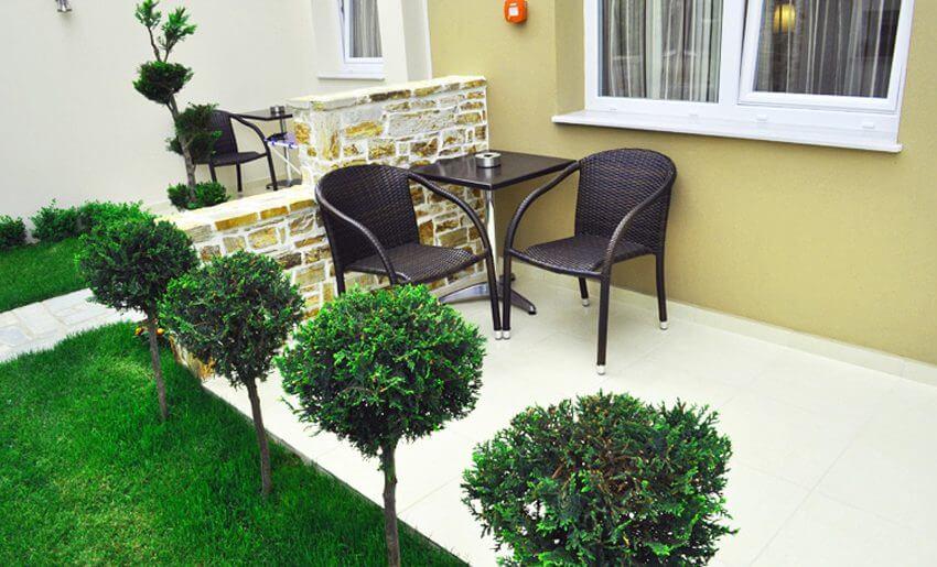 Metsikas Residence tasos Limenas terasa