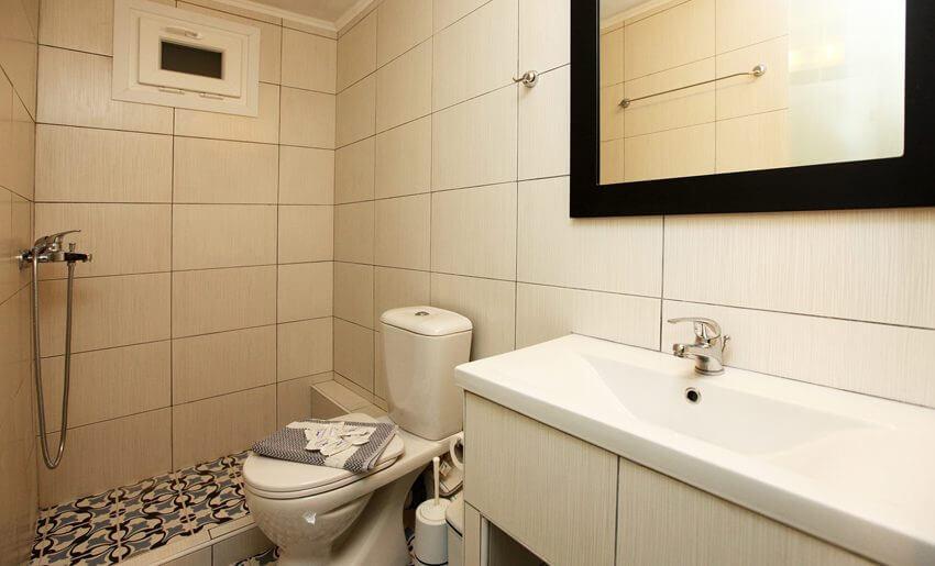 Mironi Hotel Limenas tasos smestaj kupatilo