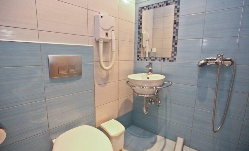 Mironi Hotel Limenas tasos soba kupatilo