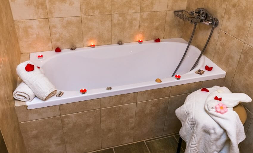Neorion Hotel Limenarija kupatilo
