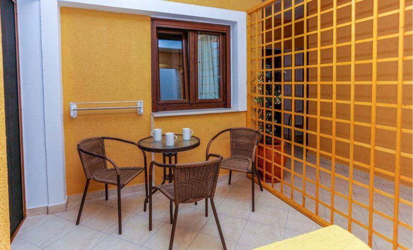 Neorion Hotel Limenarija terasa