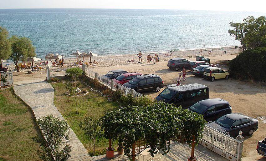 Vila Konstantinos 1 tasos parking