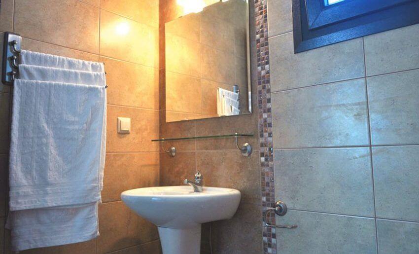 Vila Skandia Potos grcka letovanje tasos kupatilo
