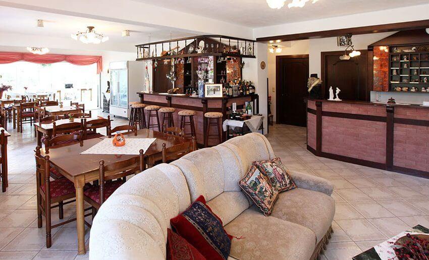 fourkos hotel limenas grcka restoran