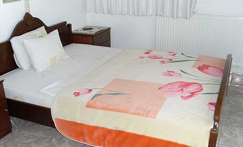 fourkos hotel limenas tasos soba