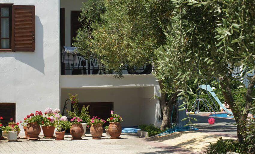 hotel makedonia potos dvoriste