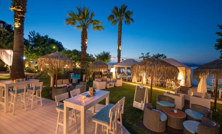tarsanas beach villa bar restoran