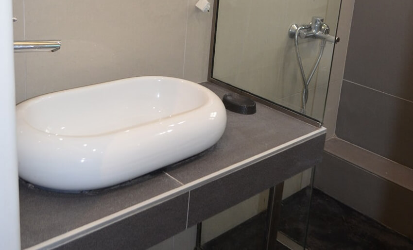 Vila versa limenas tasos letovanje kupatilo smestaj