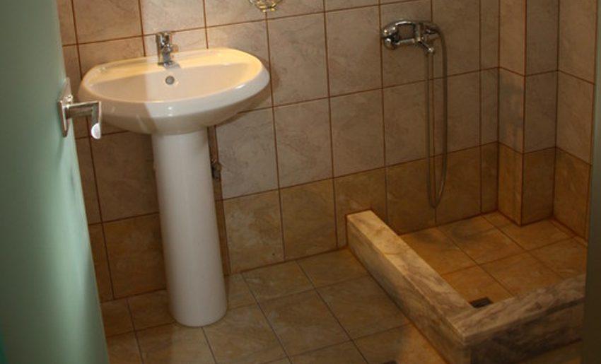 smestaj na tasosu vila el greco kupatilo