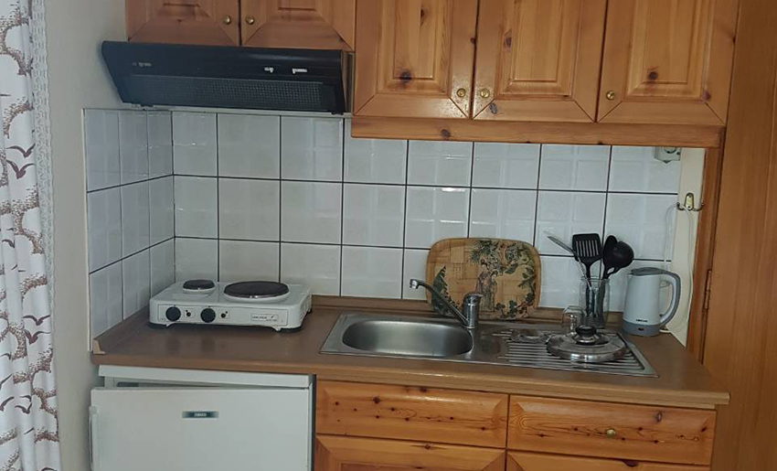 vila janis tasos studio kuhinja