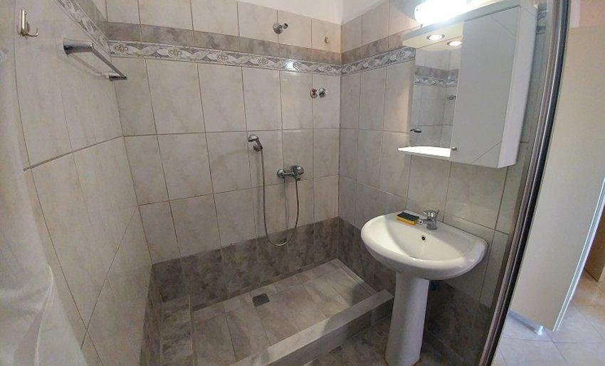 vila toula limenarija tasos letovanje smestaj kupatilo