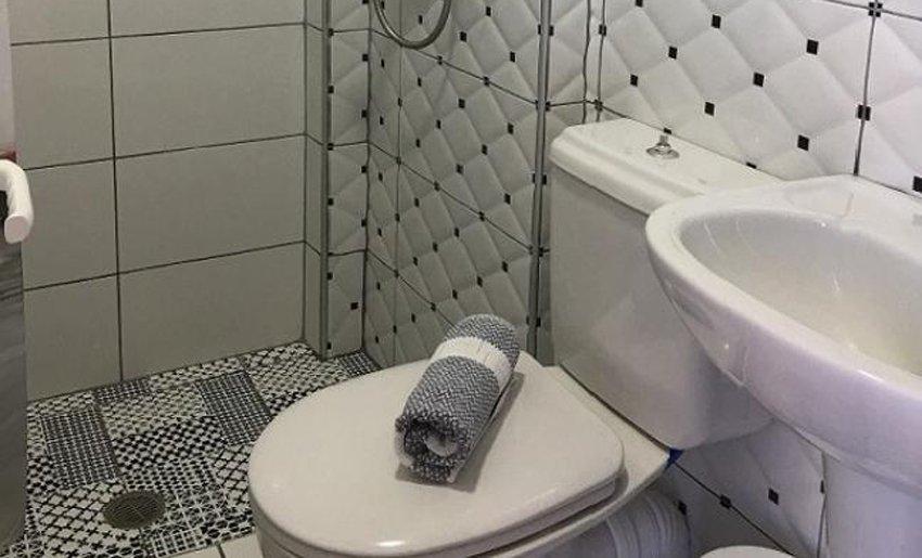 pefkari bay tasos grcka letovanje kupatilo