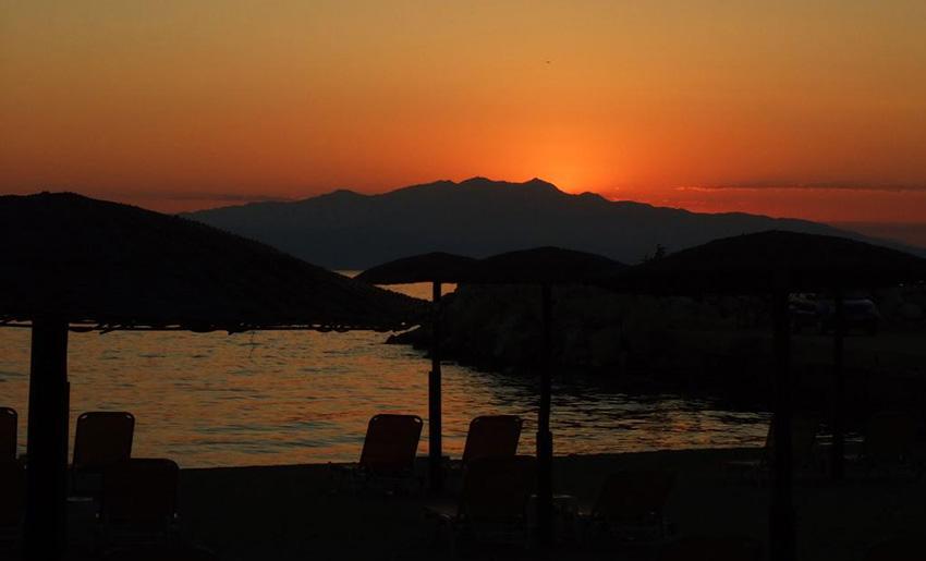 Vila mary skala sotiros tasos zalazak sunca